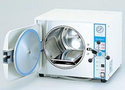 オートクレープと呼ばれる182度の高圧蒸気滅菌器